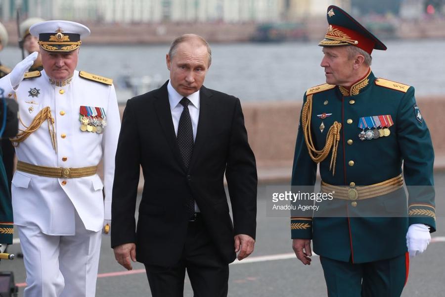 Putin Marine