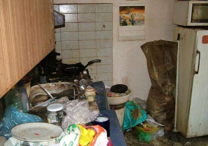 Garbage-in-home-4