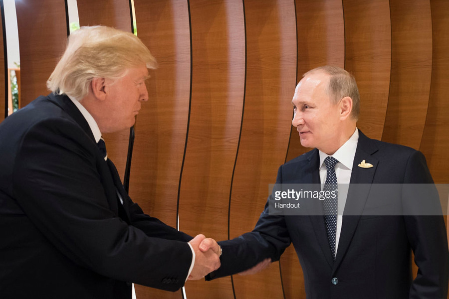 Handshake-Putin-Trump