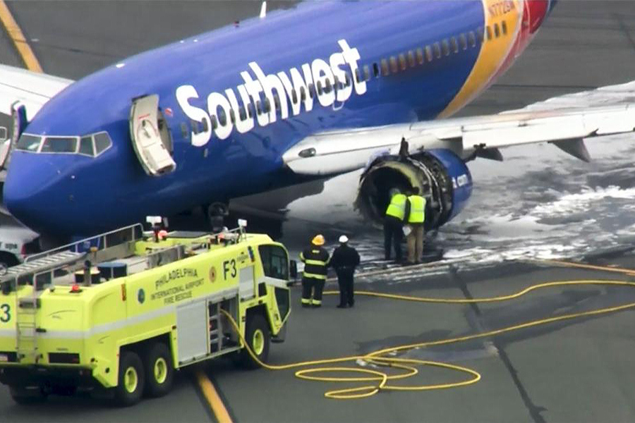 1380-southwest-plane-engine-failure