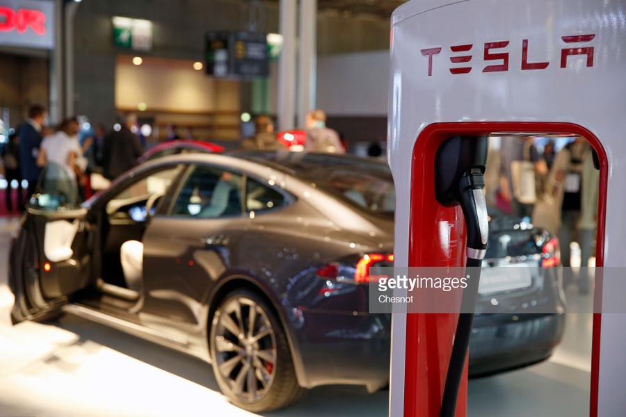 Tesla-2018