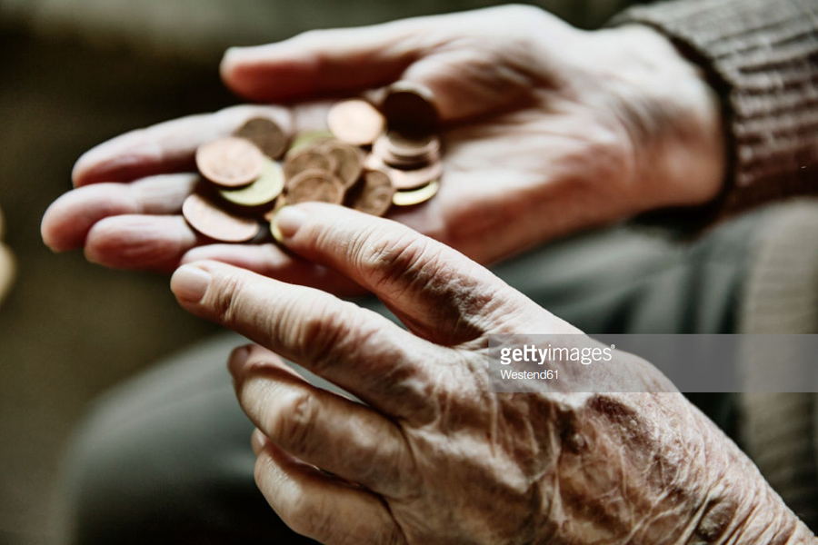 Hands-with-coins