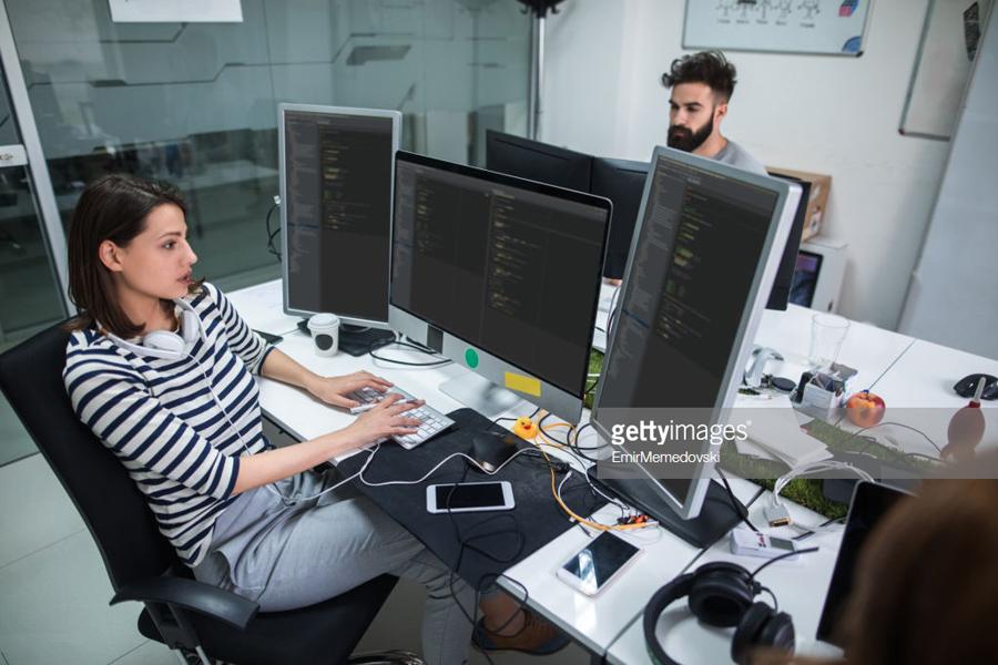 Female-Programmer
