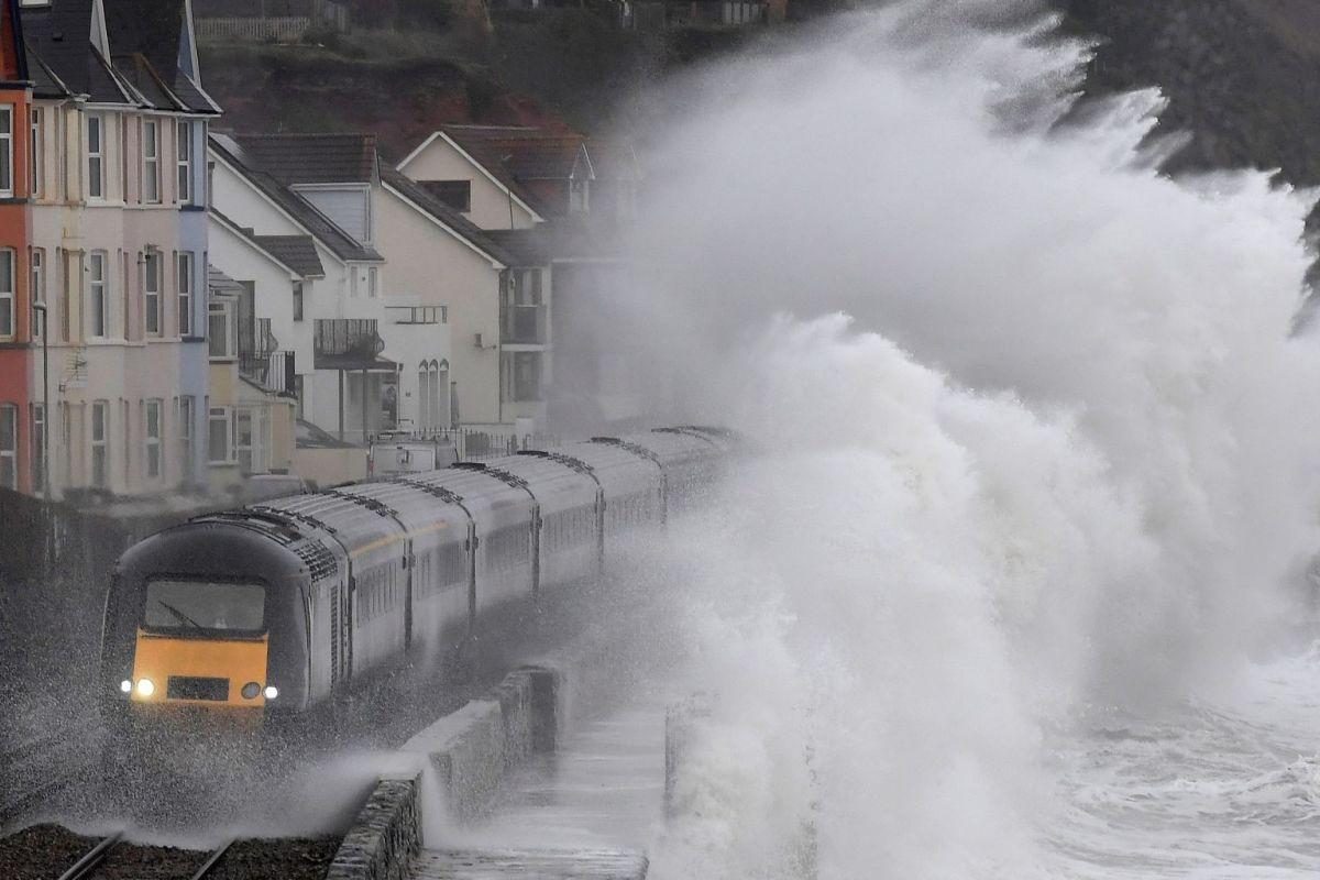 Rail_wave