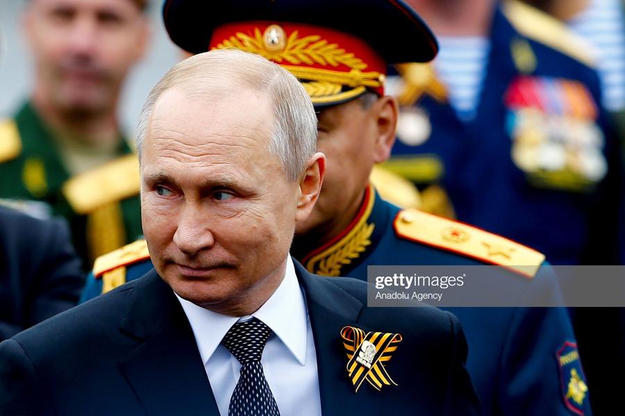 WW2-Parade-Putin
