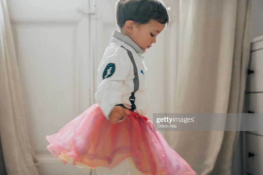 Boy-dress-as-girl