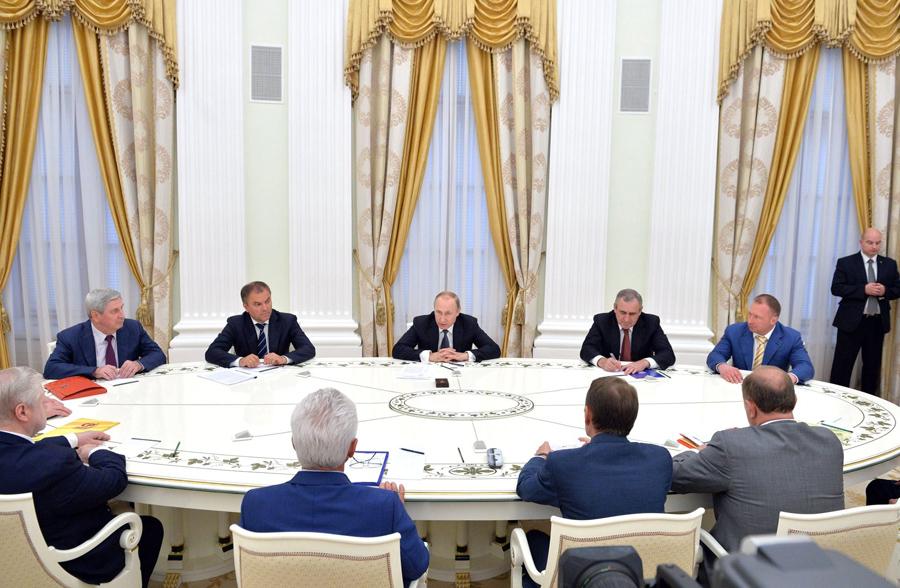 О маленьком начальнике небольшой сверхдержавы Putin-Fractions