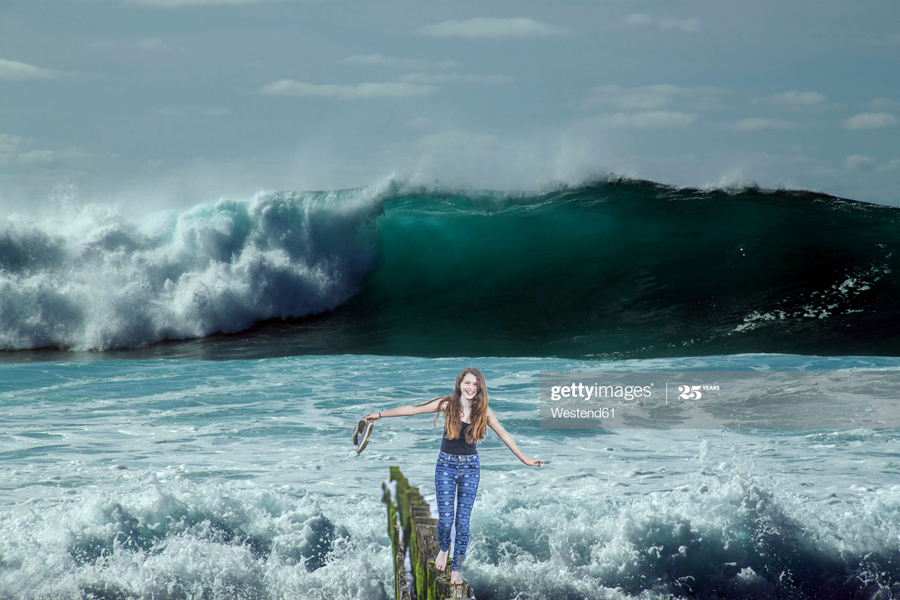 Huge-Wave-Girl