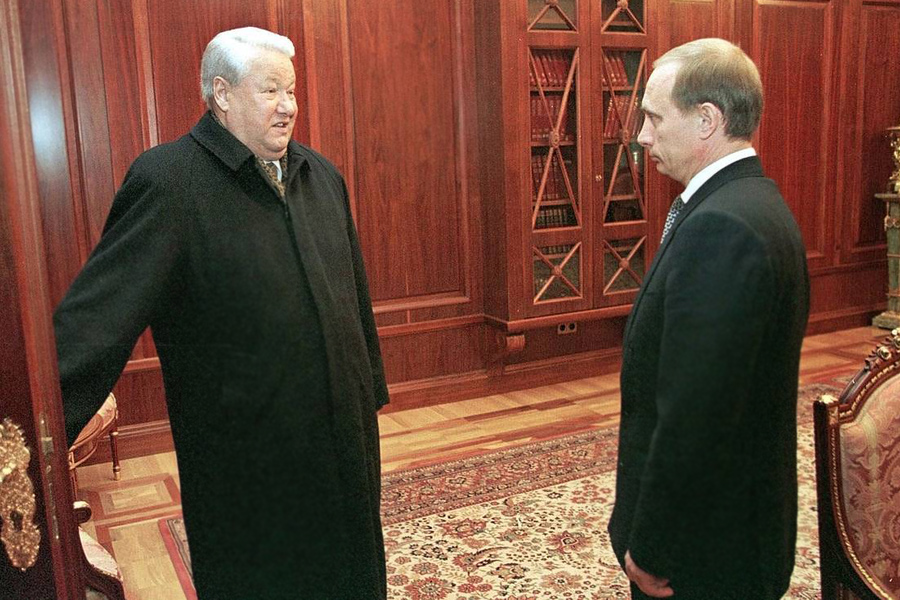 Yeltsin-Purin-Out