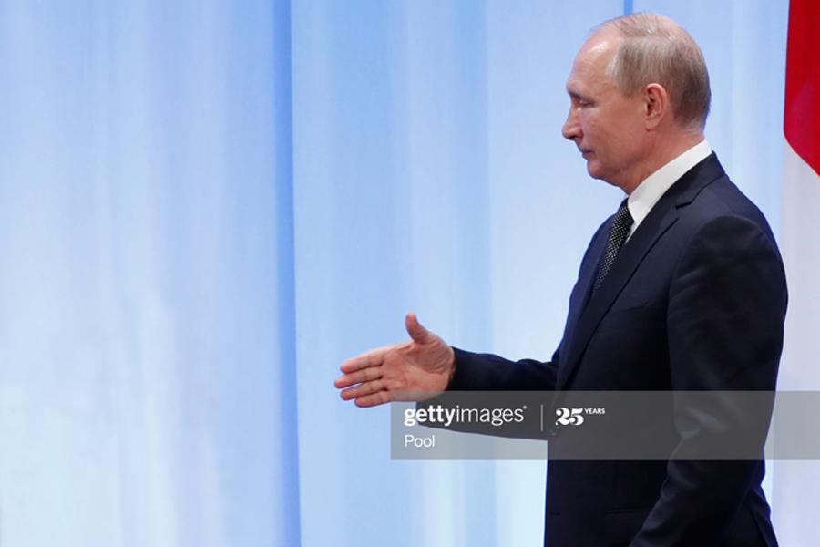 О протянутой руке Путина Putin-Hand