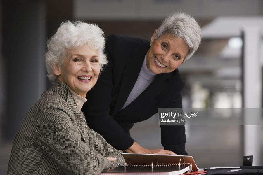 2-Old-Busuness-Ladies