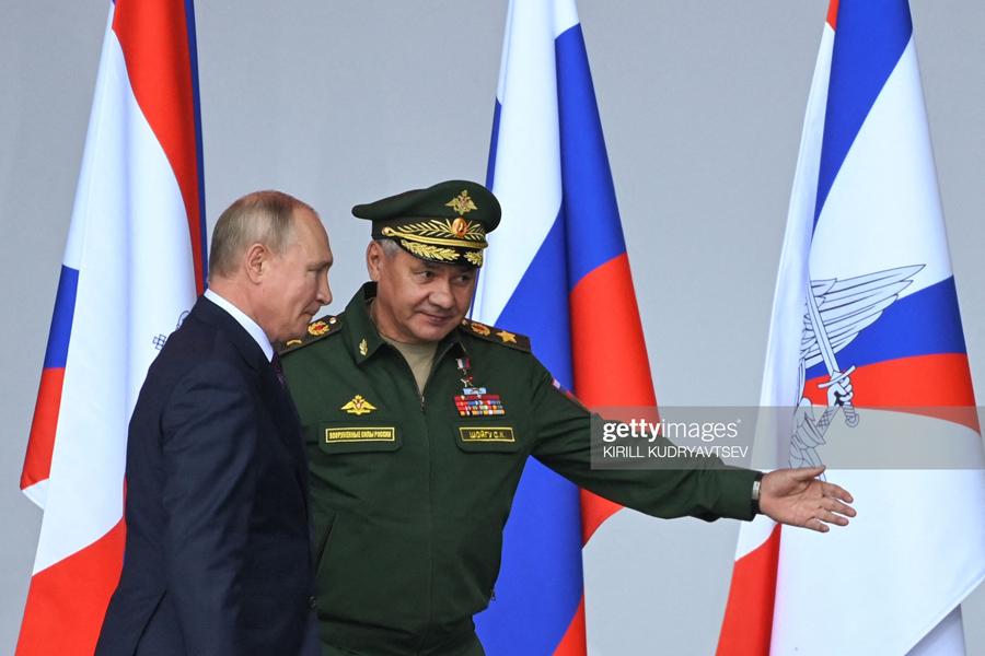 Shoigu-Putin-Lead