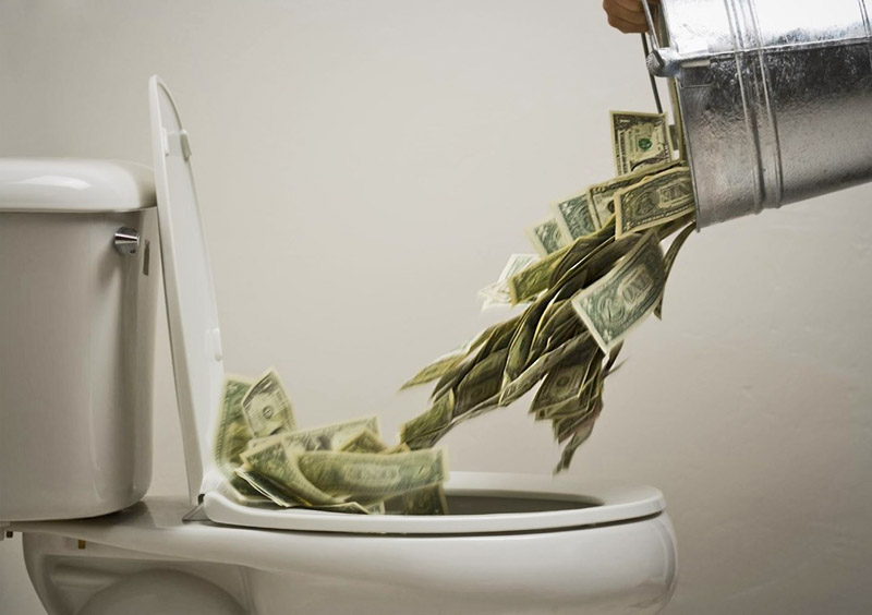 Dollars_in_toilet