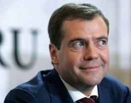 Дмитрий Медведев и его долбоебы против Виктора Суворова. Результат предсказуем 1211374881_medvedev_cr