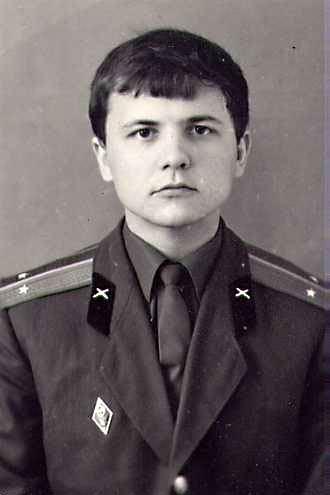 Дмитрий Медведев и его долбоебы против Виктора Суворова. Результат предсказуем 55771736