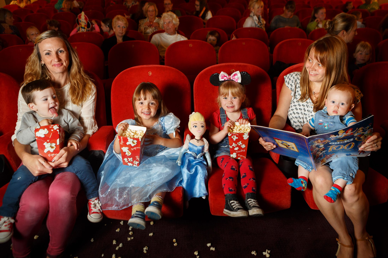 Днем, картинки для детей кинотеатр