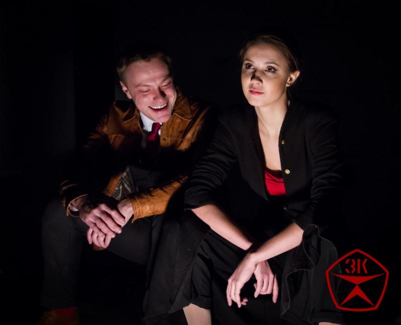 Зоя Денисовна Пельц (Марина Волкова) и Анисим Зотикович Аллилуйя (Родион Галюченко). Источник фото: сайт http://www.bpstd.ru/
