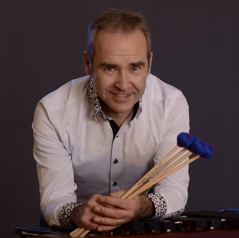 Профессор Венского университета музыки и искусств Небойша Живкович