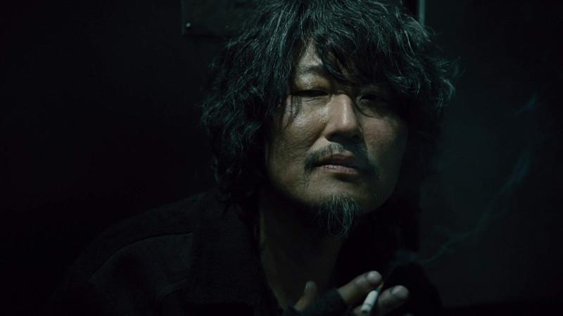 Сон Кан Хо в роли инженера-наркомана Намгун Мин Су