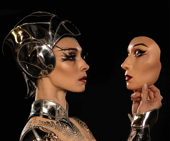 Ольга Смирнова в балете MCGREGOR+MUGLER. Фото Алисы Аслановой.