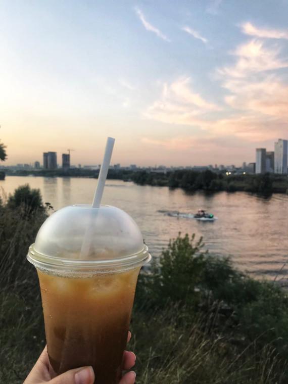 Бамбл с видом на Москву-реку