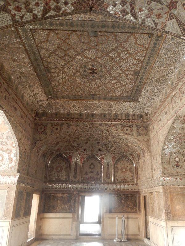 Sheesh Mahal (2).JPG