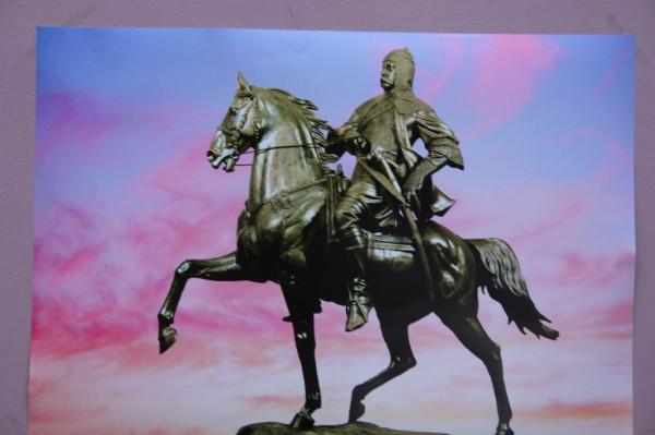князь-Кургоко-Атажукин-скльптура-Хамида-Савкуева
