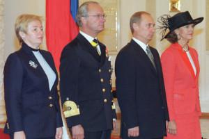 Vladimir_Putin_8_October_2001-3