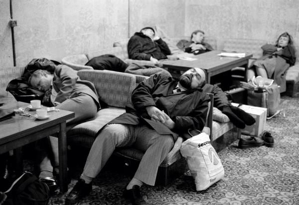 1 Крис Стил-Перкинс, Ташкент, в ожидании самолета в аэропорту, 1988