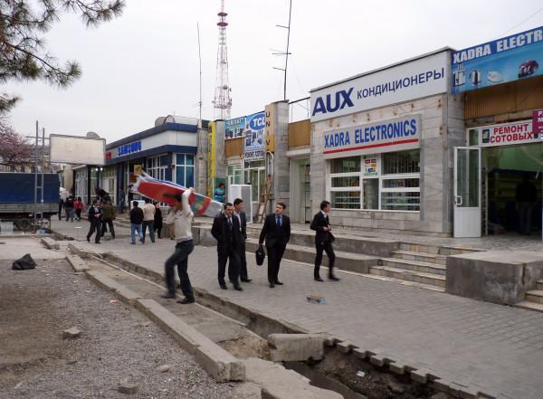 4. Ярмарка на улице Навои перед сносом, 2011 год