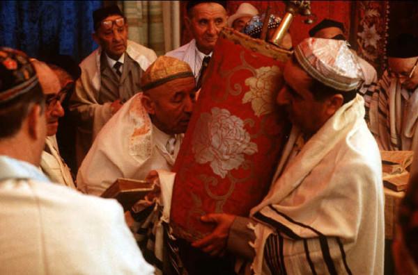 8 Пинхасов, Ташкент, синагога на Чкалова, мужская секция, 1988