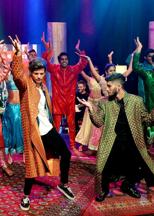 Zouis Bollywood Dancing