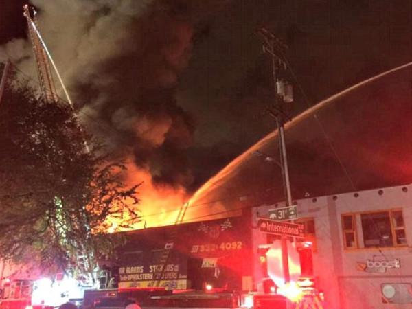 Жертв пожара в ночном клубе триколор онлайн тв ночной клуб бесплатно
