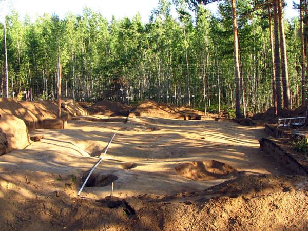 Раскопки в Нижнем Приангарье (фото: Виталий Сквош)