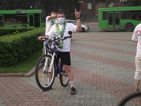 Первый «яблочный» велопробег в Красноярске (фото: Сергей Волков)