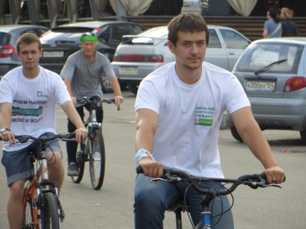 Второй «яблочный» велопробег по улицам Красноярска. (Фото: Александр Колотов)