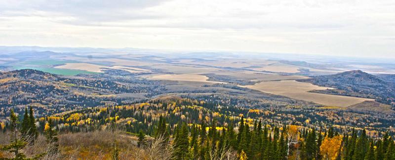 Вид с вершины горы Ревнюха.