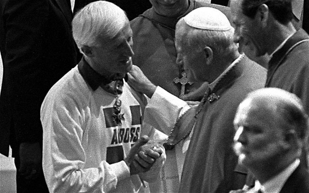 Pope-and-Jimmy-Sav_2380825b