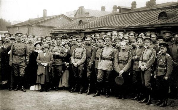 Проводы на фронт офицеров Семеновского полка 1914