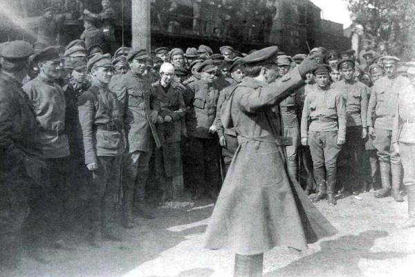 Троцкий под Казанью 1918 г.