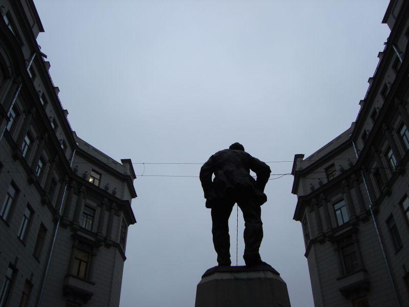 Воровский. Памятник 2