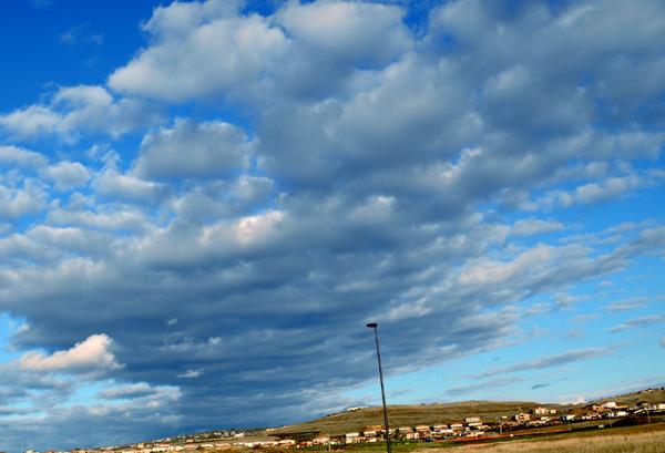 blue sky clouds 600