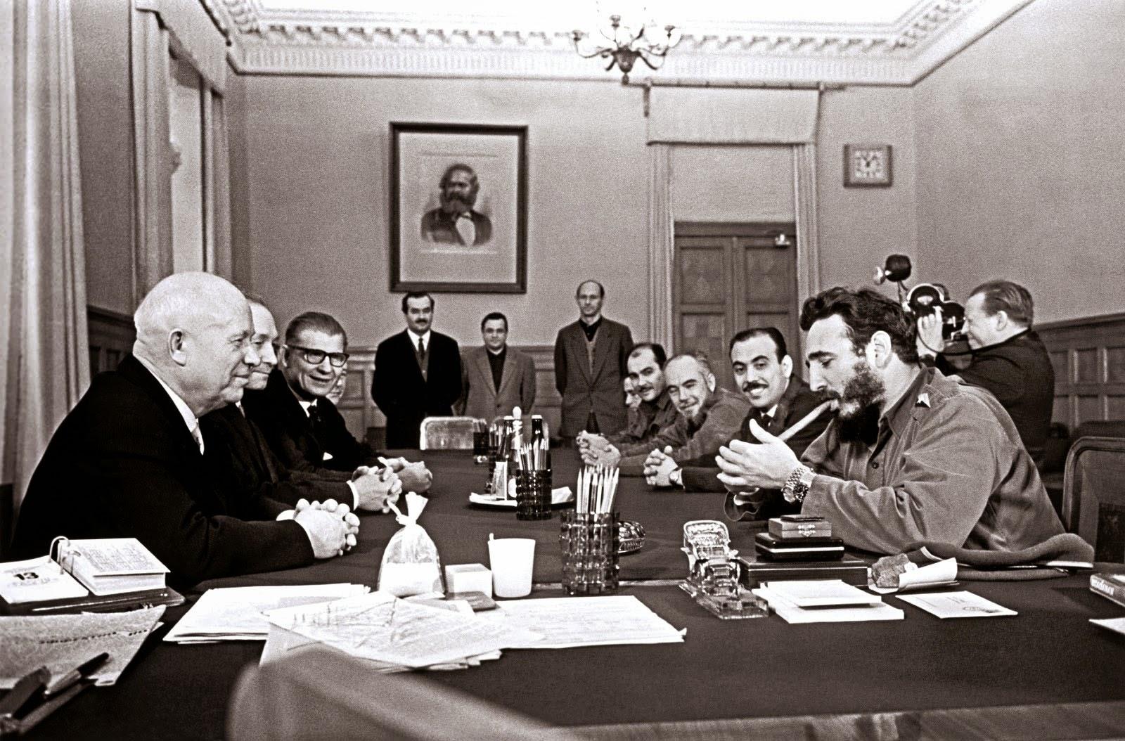 Castro_Chrushed_Marx