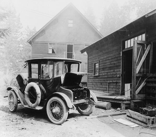 Electric_car_1905
