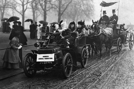 first_cars_and_horses