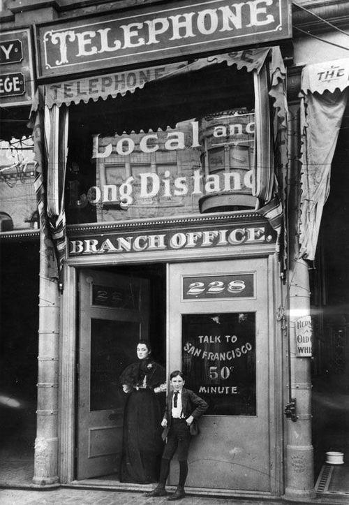 First_public_payphones_in_LA_Ca_1899