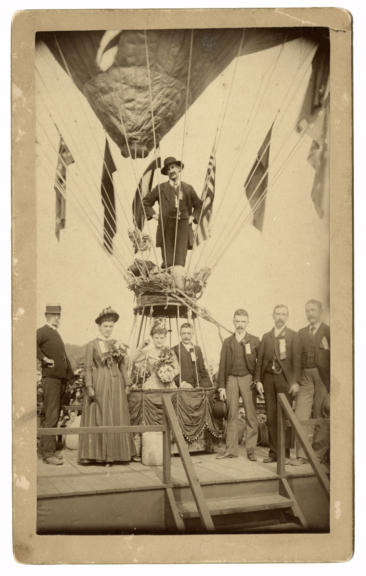 1888_Balloon_wedding