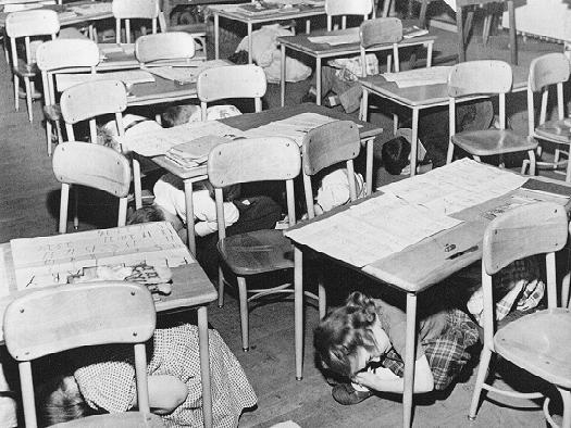 shool_children_under_tables_Cold_war