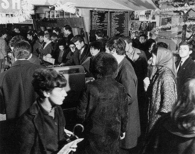 1960s_HMV_Oxford_Street_London