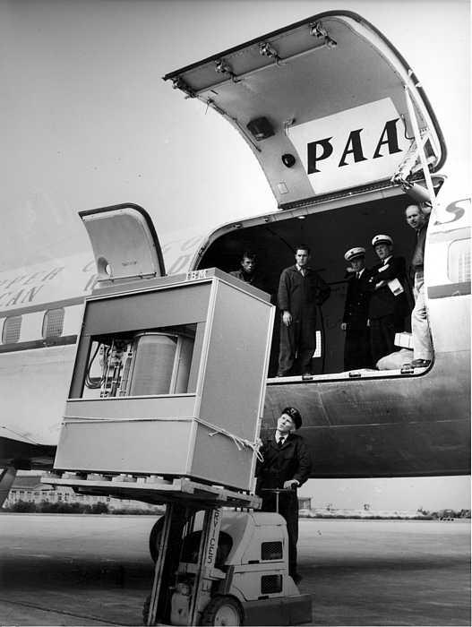 1956_5MB_Hard_Disk_Drive